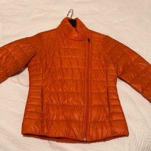 Orange light puffy jacket